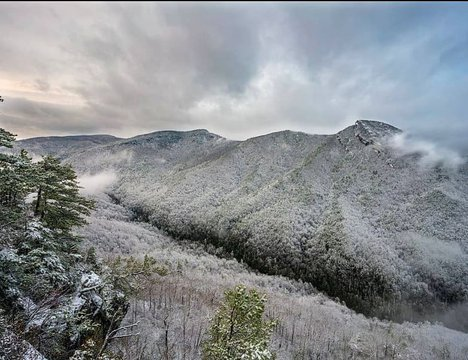 Thanks spencer_barefoot for the amazing photo of the gorge in the snow! It didn't stick around in Morganton but there is still some accumulation in the gorge if you want to search out snow in Burke County this weekend! Have fun and #burkeout!  #regram #li