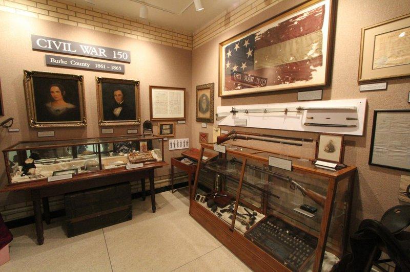 Burkehistorymuseum.jpg