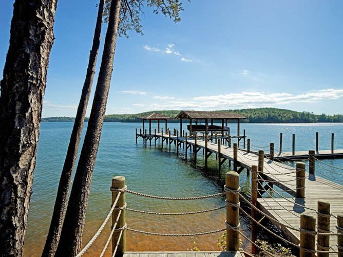 Camp Lake James-  Wooded and Lakefront Vacation Rentals Featured Image